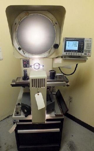 Dorsey Gage Co. 16H-200E OPTICAL COMPARATOR, w/ LISTA CAB - Haga clic para agrandar la imagen